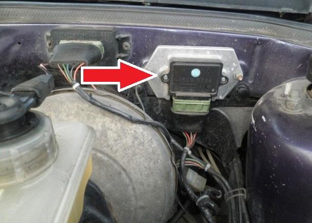 Расположение электронного коммутатора зажигания